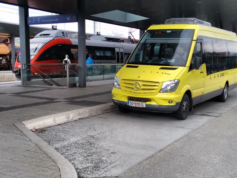 Bus und Bahn sind in Vorarlberg ideal verknüpft. Das soll auch in der Nacht so sein.