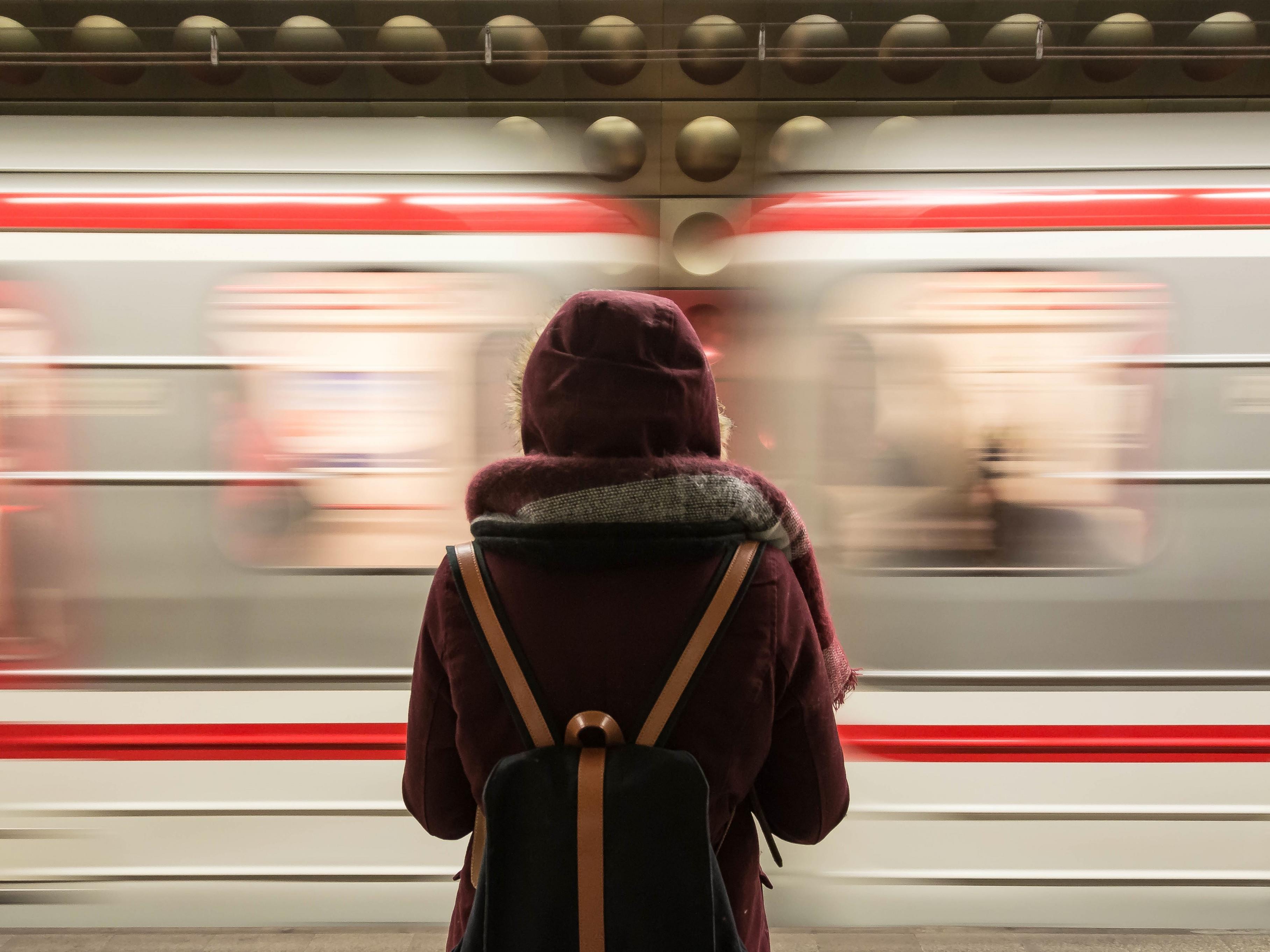 Nur Schweizer fahren mehr Bahn als Österreicher.