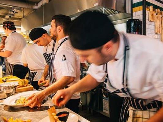 Jamie Oliver eröffnet ein Italo-Restaurant in Wien.