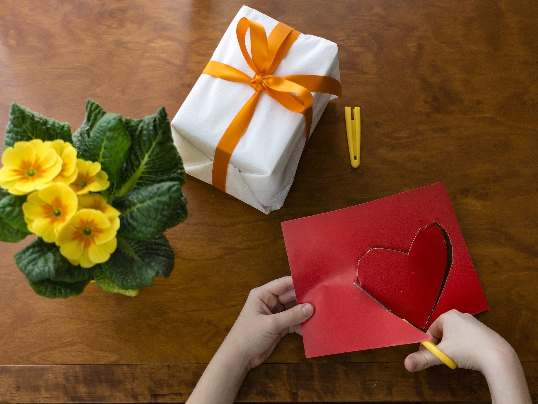 Die meisten Kinder in Österreich beschenken die Mama am Muttertag