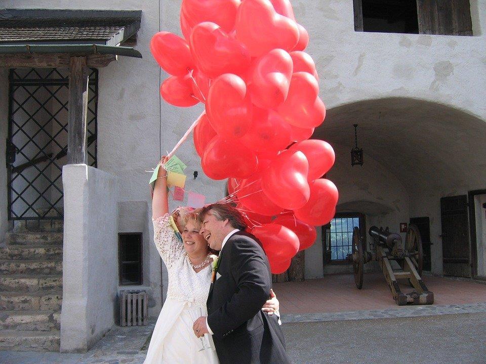 Hochzeiten in Burgen und Schlössern sind gefragt.