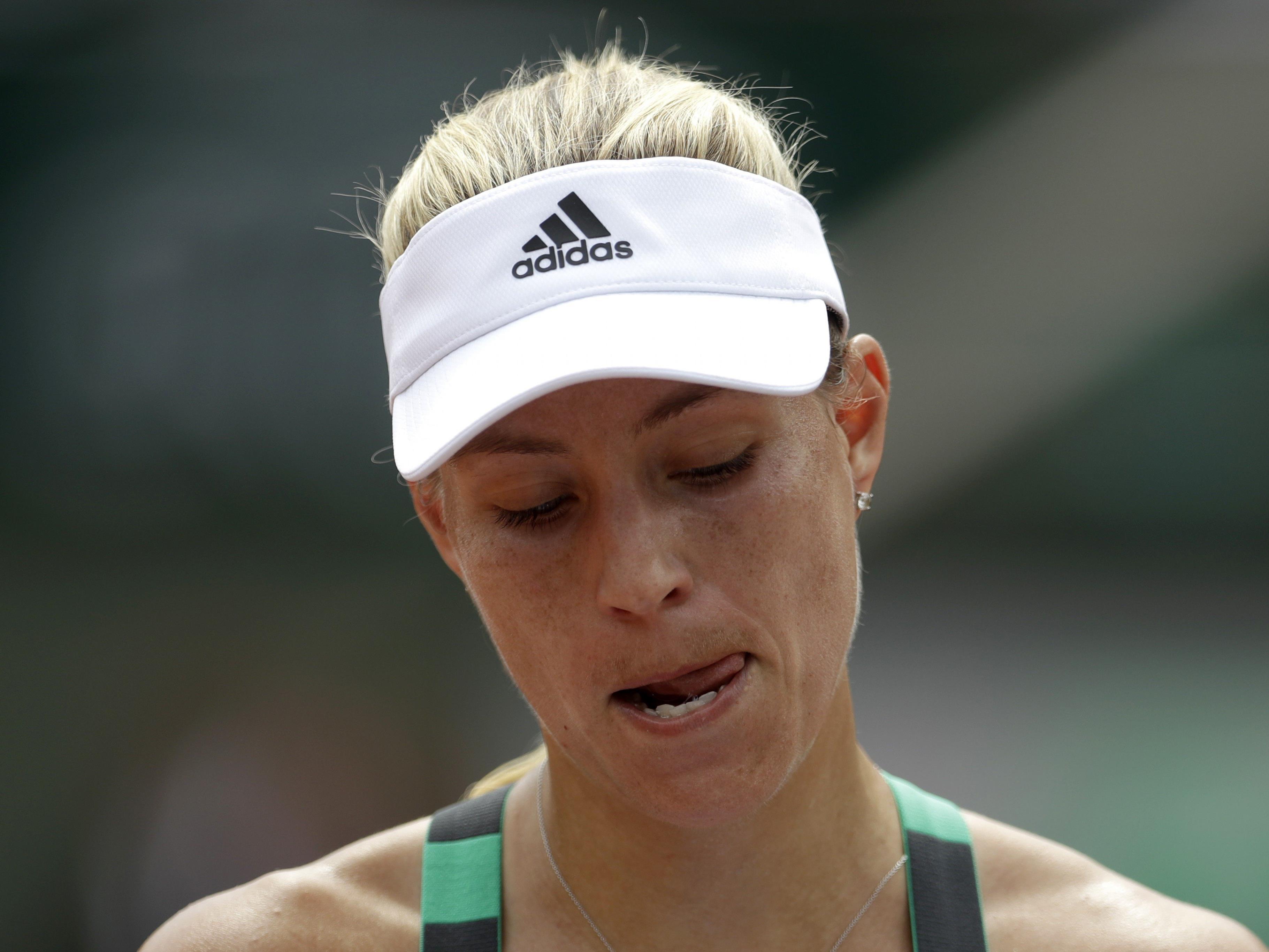 Als erste Nummer eins in Roland Garros in Profi-Ära gleich zum Auftakt.