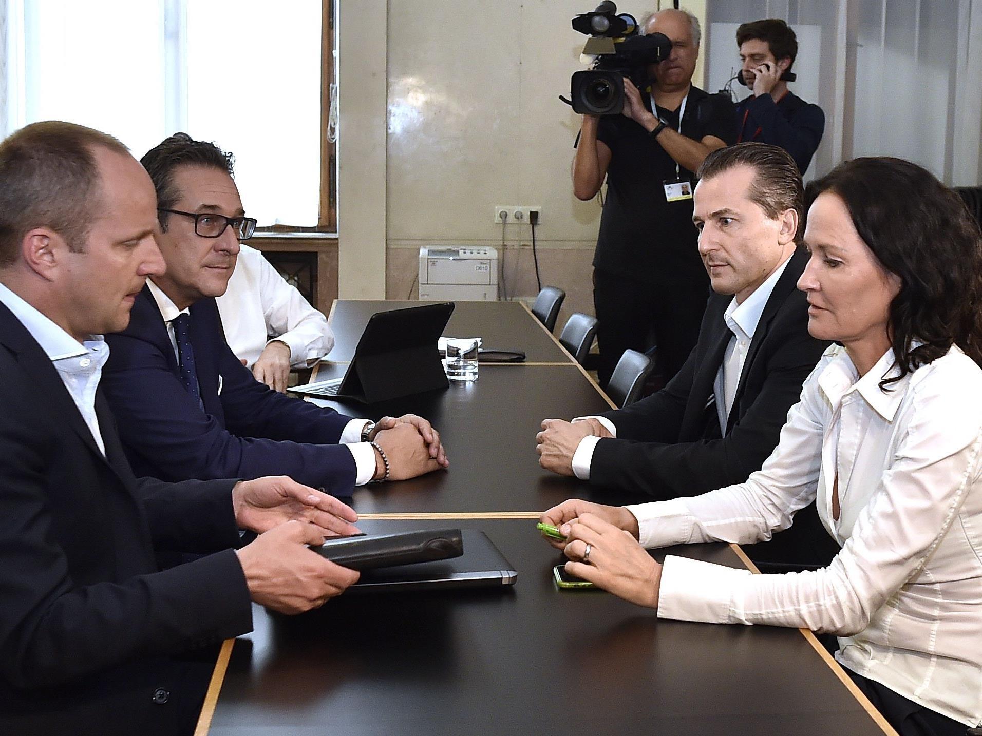 Beim Treffen der Oppositionsparteien am Montag in Wien
