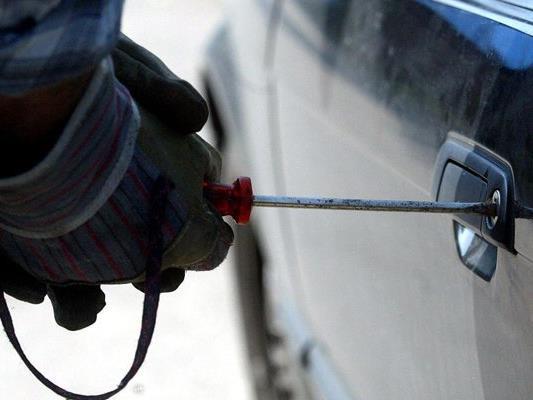 Gegen Fahrzeug-Einbrüche kann man sich schützen.