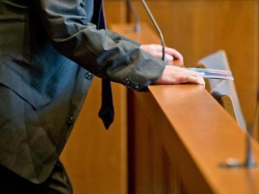 """Ein 47-jähriger mutmaßlicher """"Staatsverweigerer"""" stand in Krems vor Gericht"""