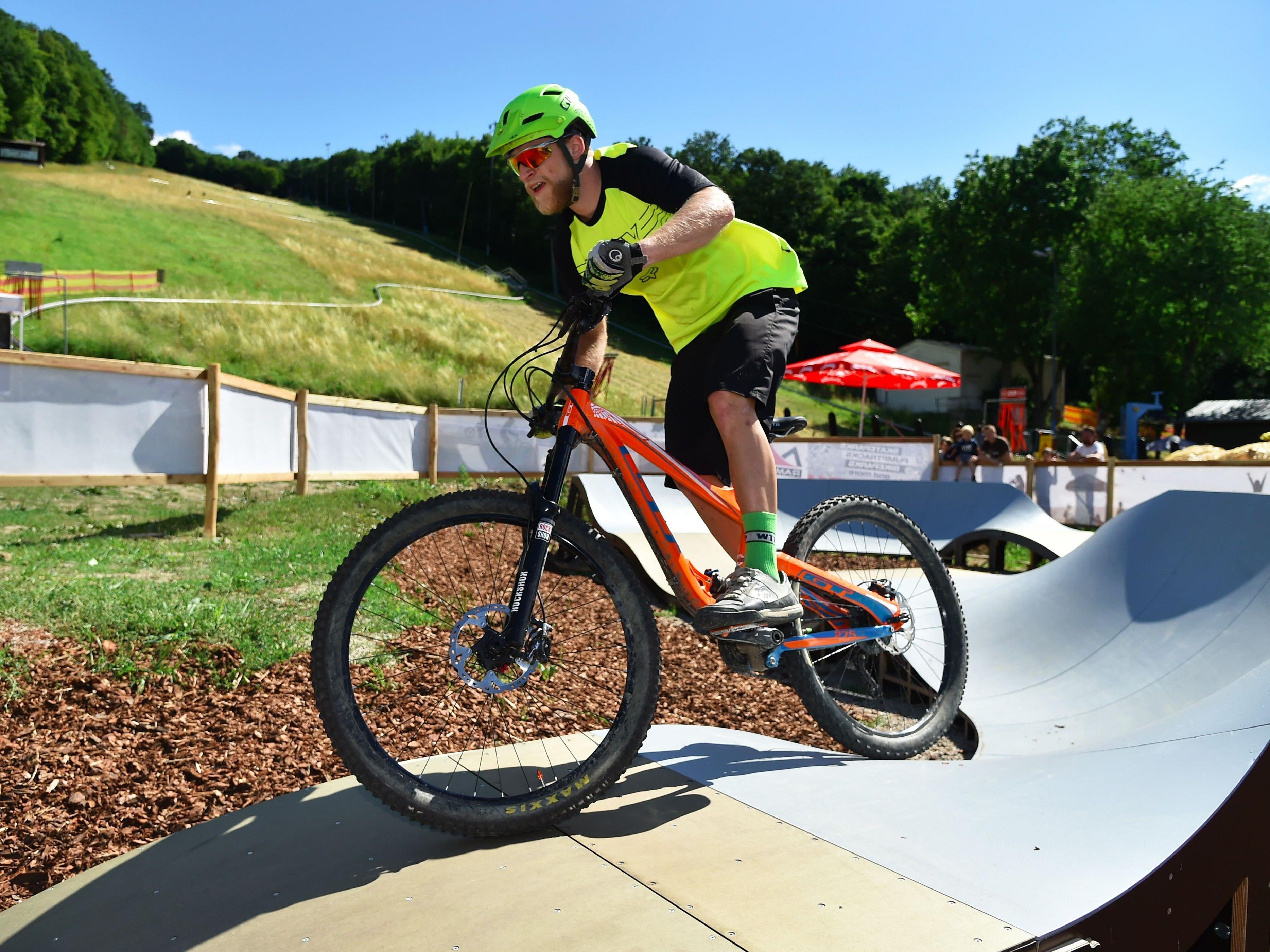 Auf der Hohen Wand Wiese wurde das neue Mountainbike-Zentrum eröffnet.