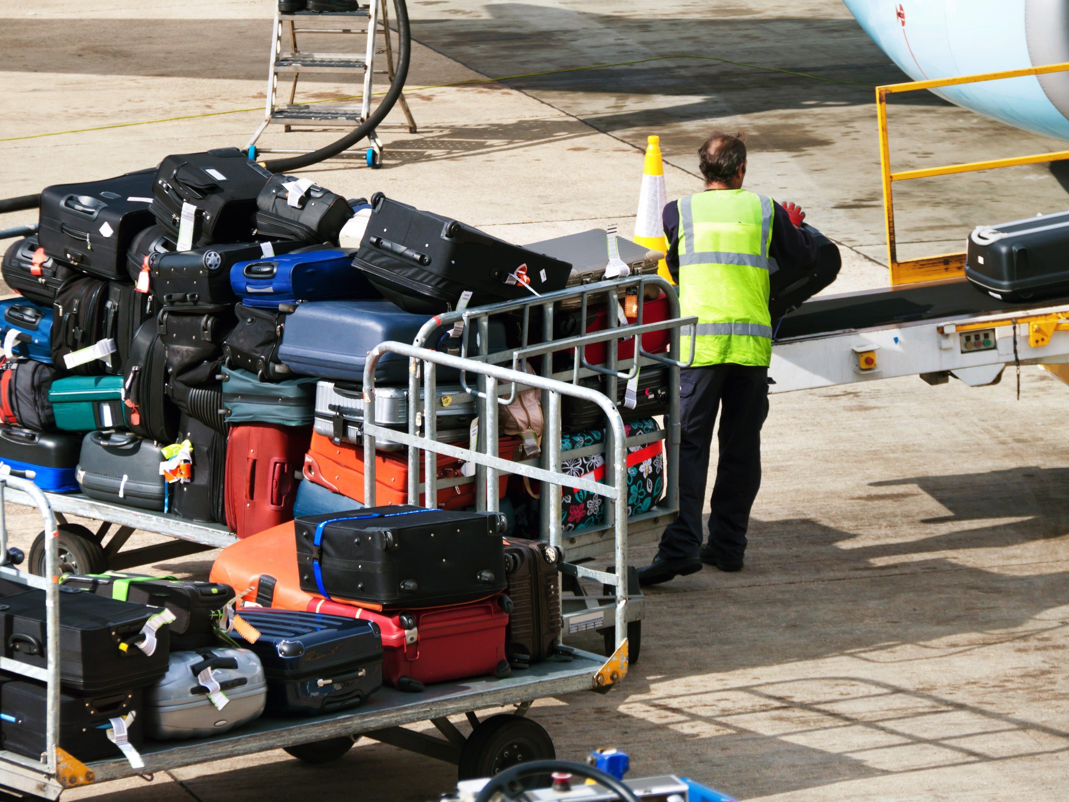 Das Ehepaar hatte die geschmuggelten Zigaretten im Gepäck versteckt.