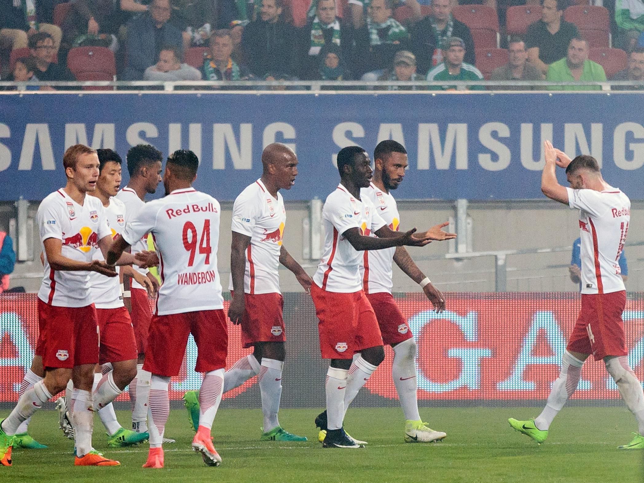 Red Bull Salzburg jubelt nach dem Finalsieg gegen Rapid über das vierte Double in Serie.