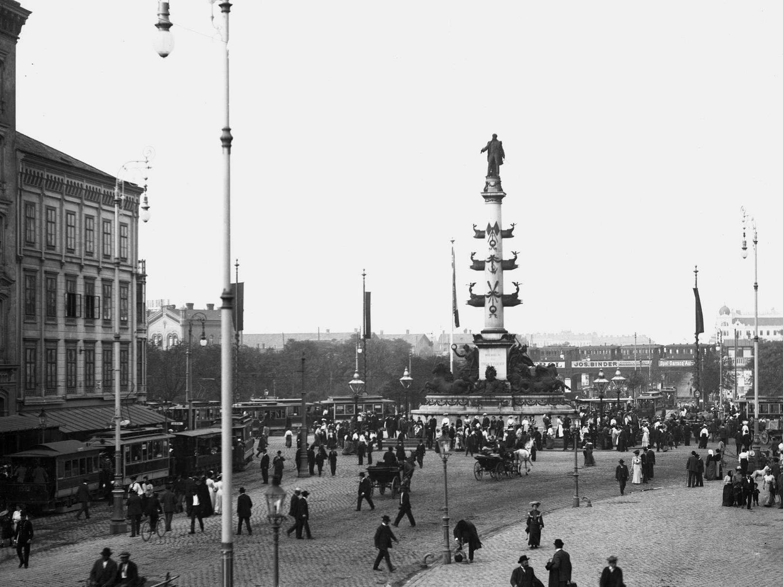 Das Tegetthoff-Denkmal am Praterstern im Jahr 1905