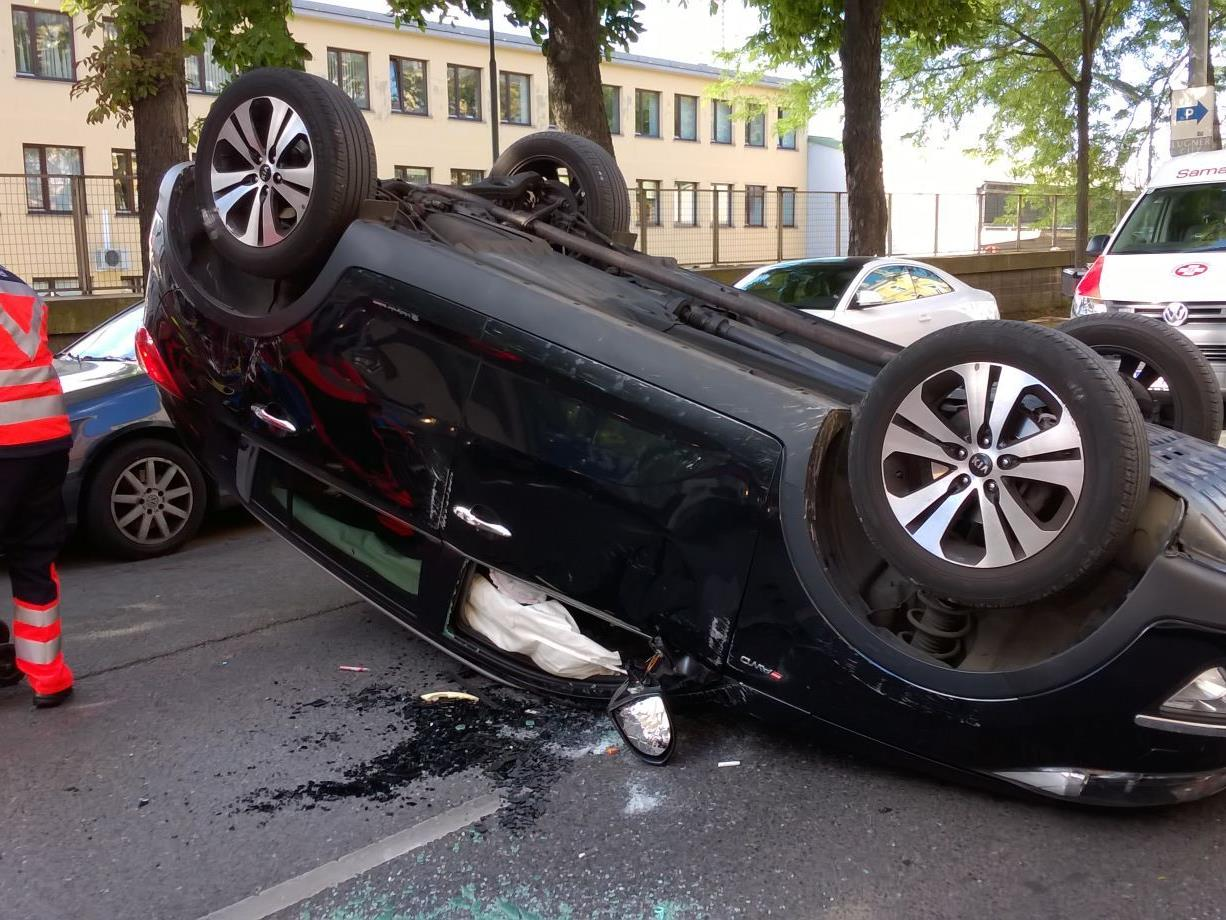 In der Felberstraße überschlug sich am Freitag ein PKW