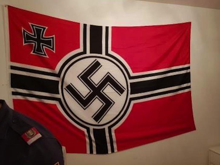 Diese Fahne fand die Polizei in der Wohnung vor