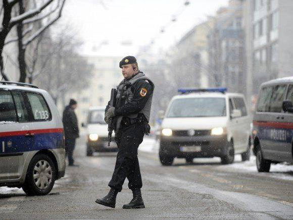 Am Tatort in Floridsdorf nach dem Mord an Israilov