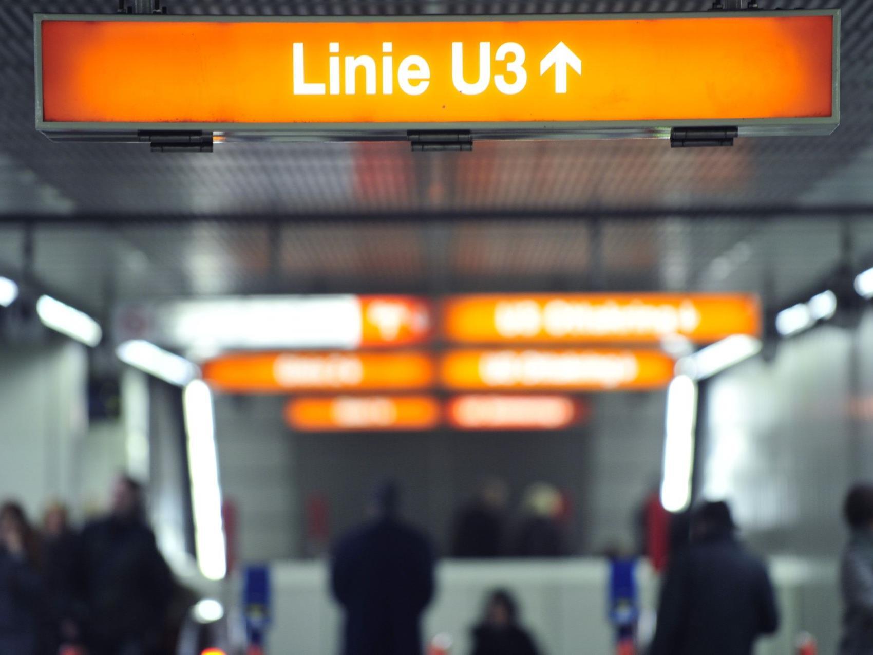 Drei Ladendiebe flohen vor der Polizei auf die Gleise der U-Bahnlinie U3.