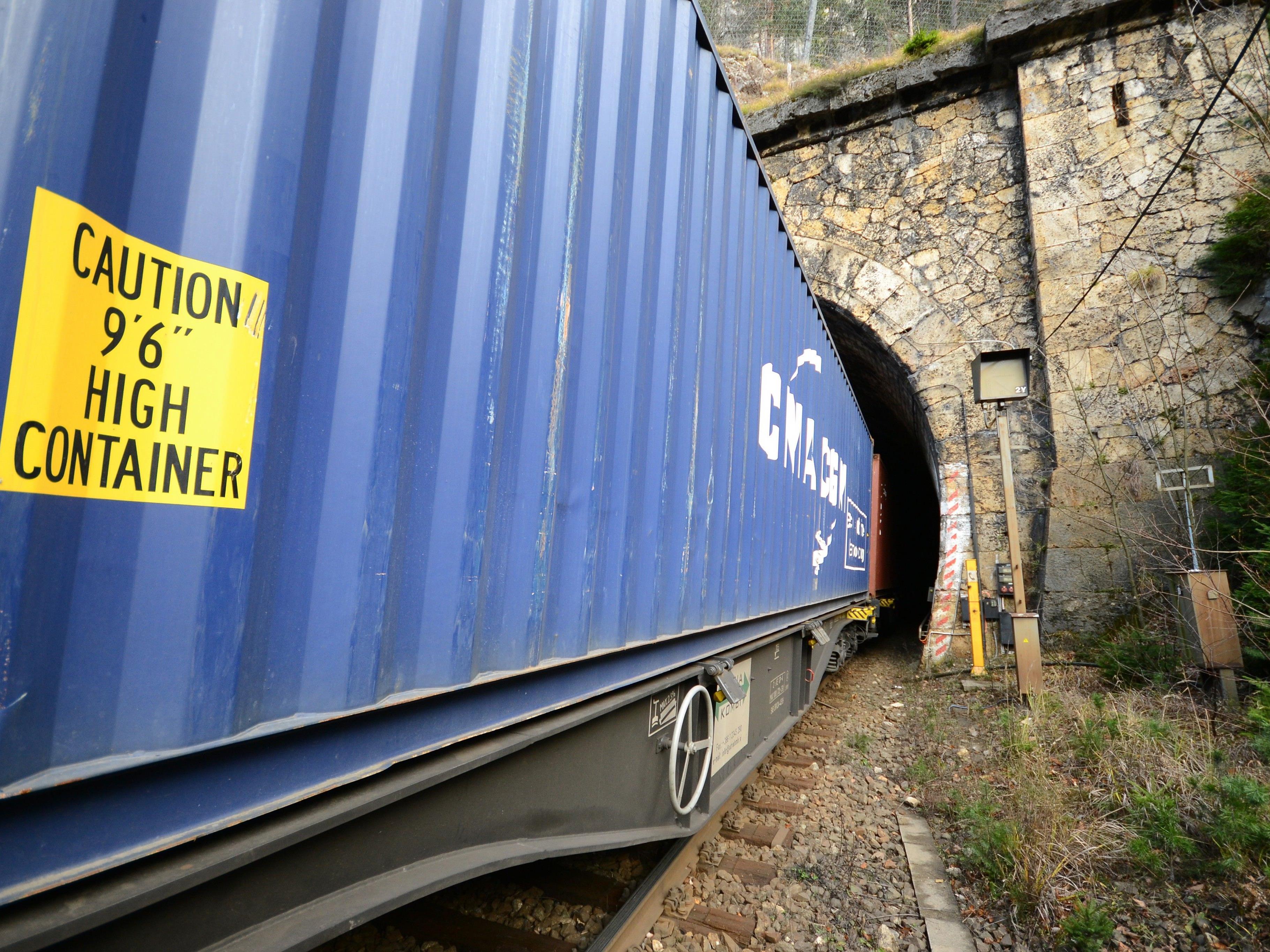 Nach dem Bahnunfall im niederösterreichischen Semmering-Gebiet