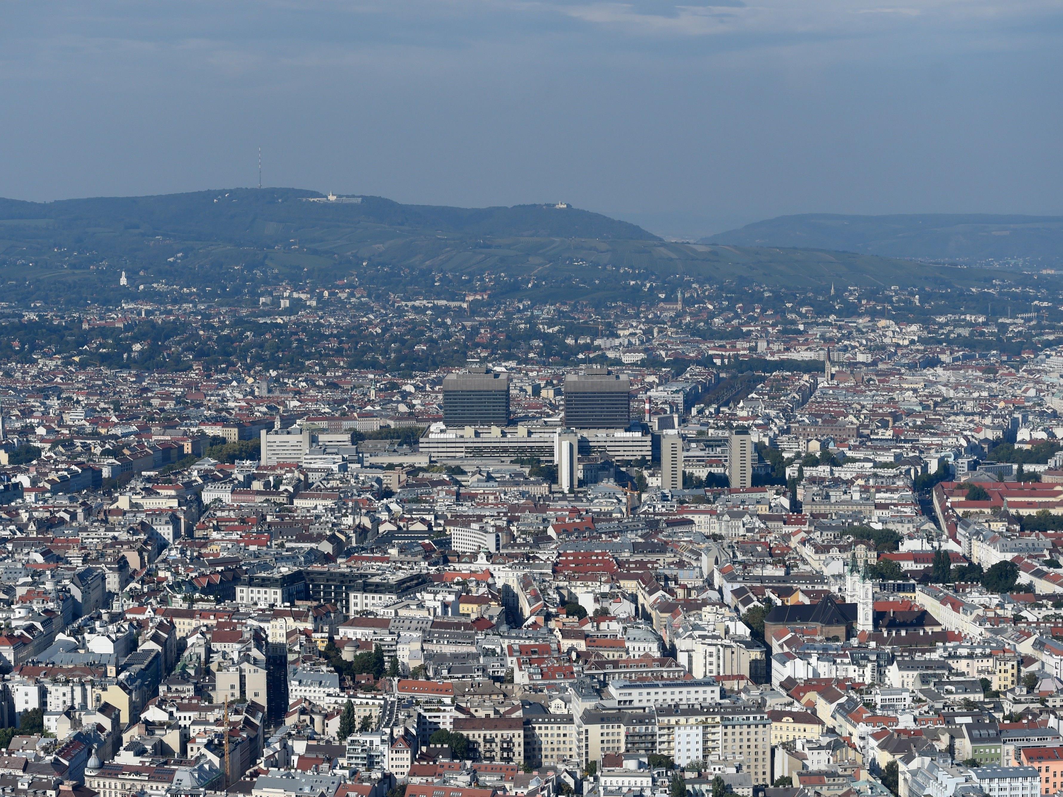 Zwei große Büroimmobilien in Wien werden verkauft.