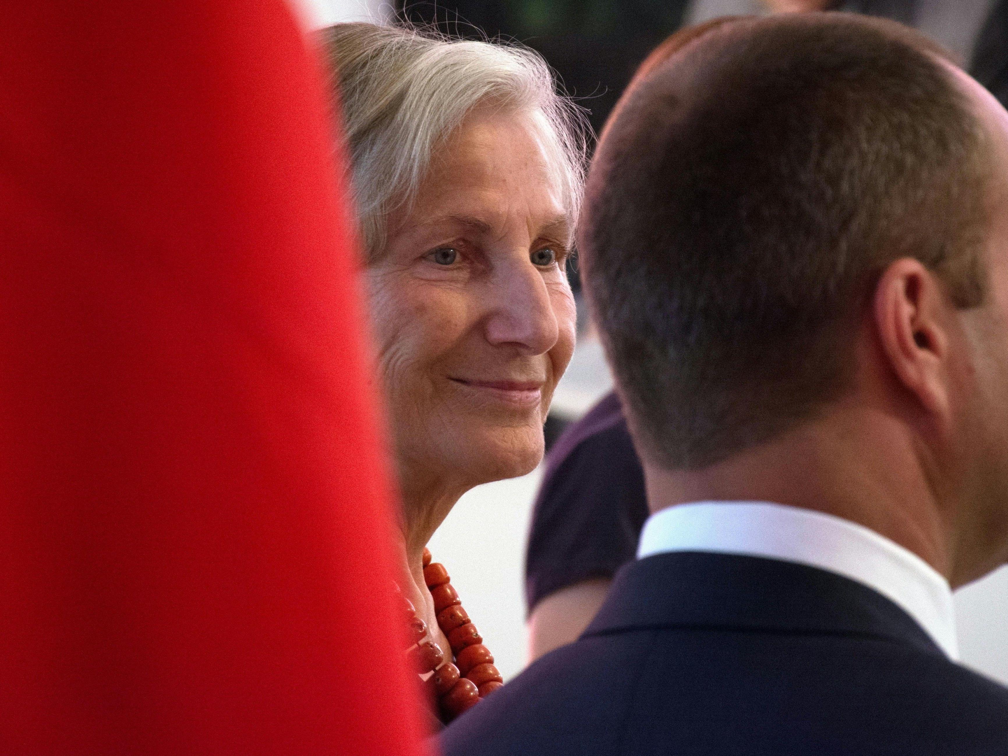 Irmgard Griss kandidiert auf Platz zwei der NEOS-Bundesliste für die NR-Wahl.