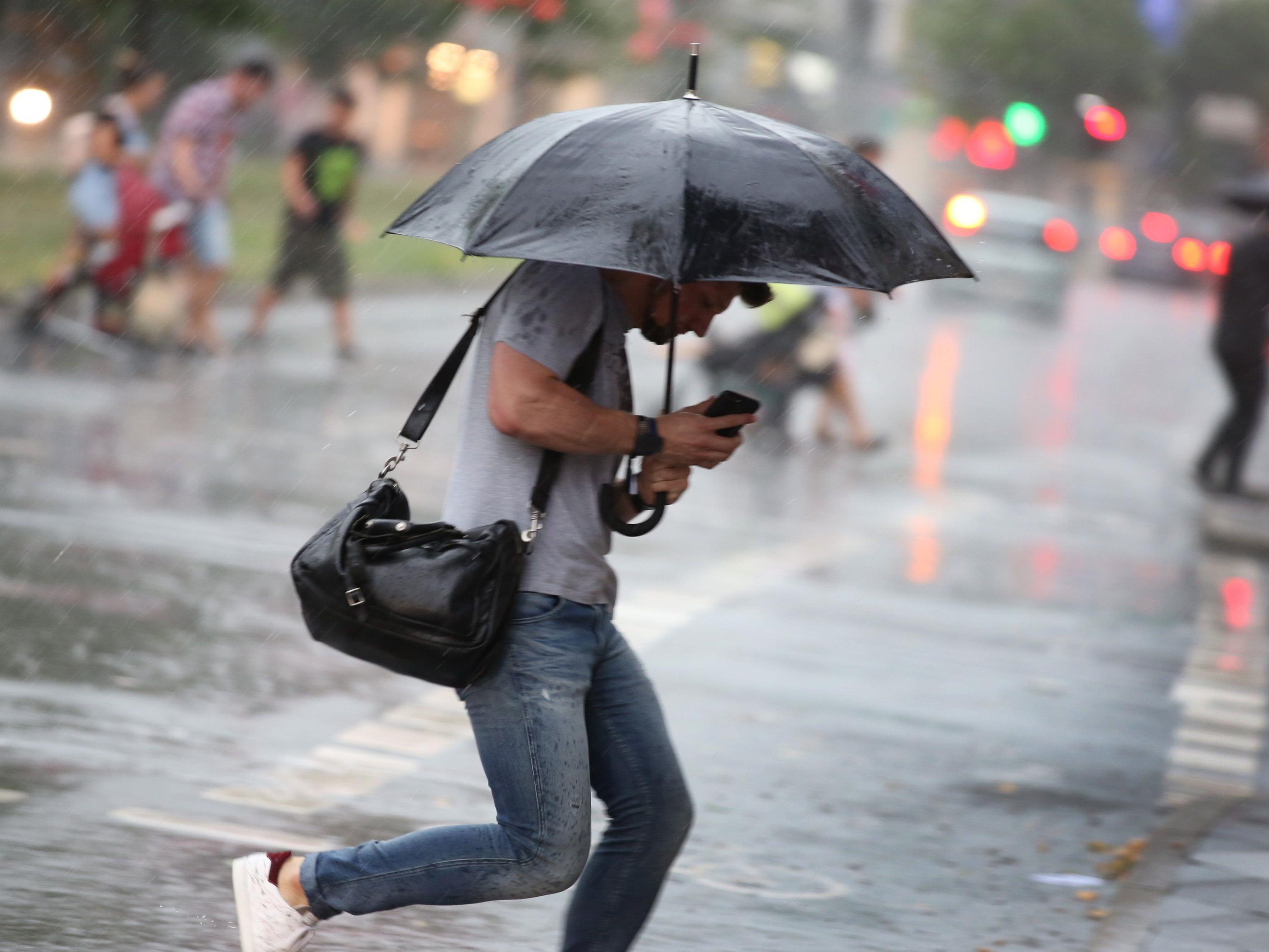 Ohne den Regenschirm wird es die nächsten Tage nicht gehen