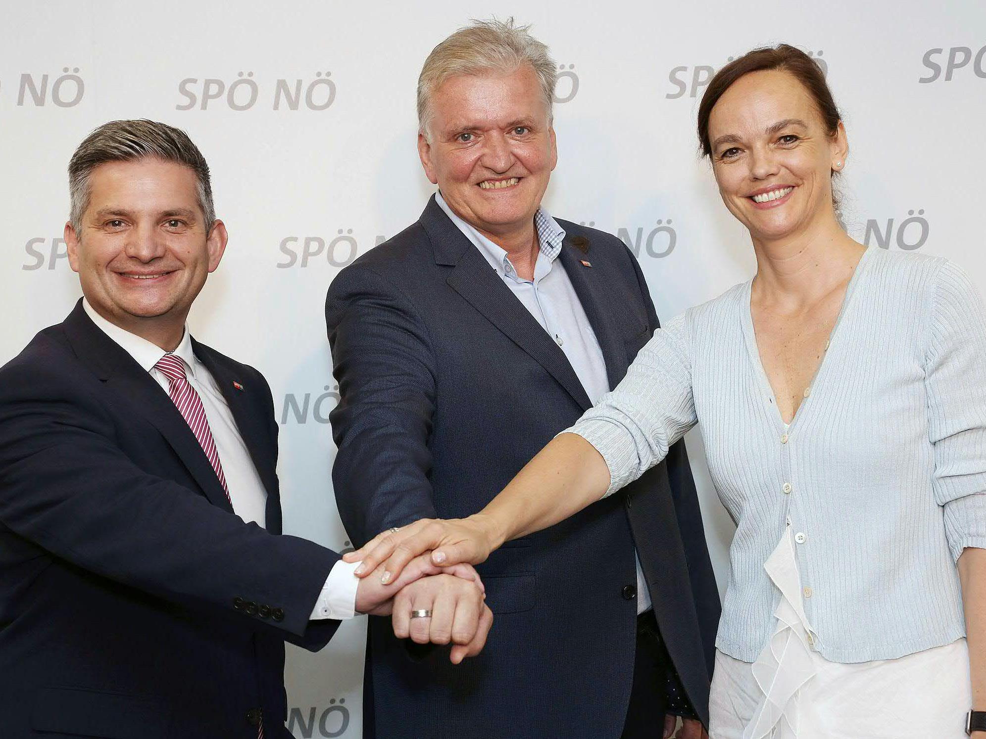 (v.l.n.r.) SPÖ-Landesrat Maurice Androsch, SPÖ-Landesparteivorsitzender Franz Schnabl und Bildungsministerin Sonja Hammerschmid