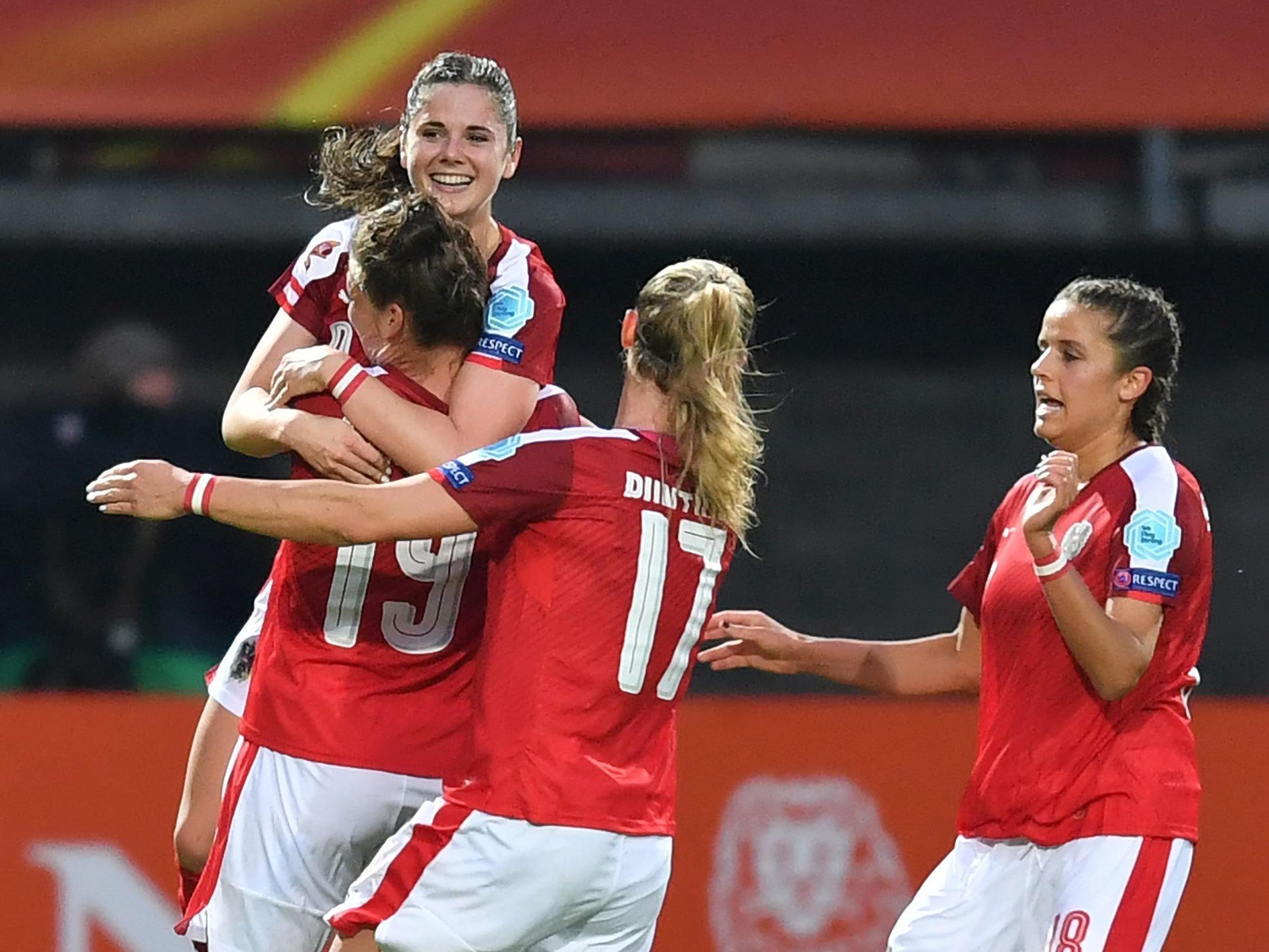 Jubel bei den ÖFB-Damen über den Einzug ins EM-Viertelfinale.