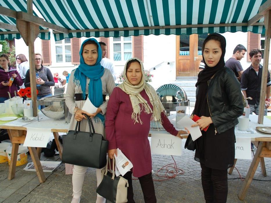Zahlreiche Flüchtlingsfrauen hatten Speisen aus ihrem Heimatland gekocht.