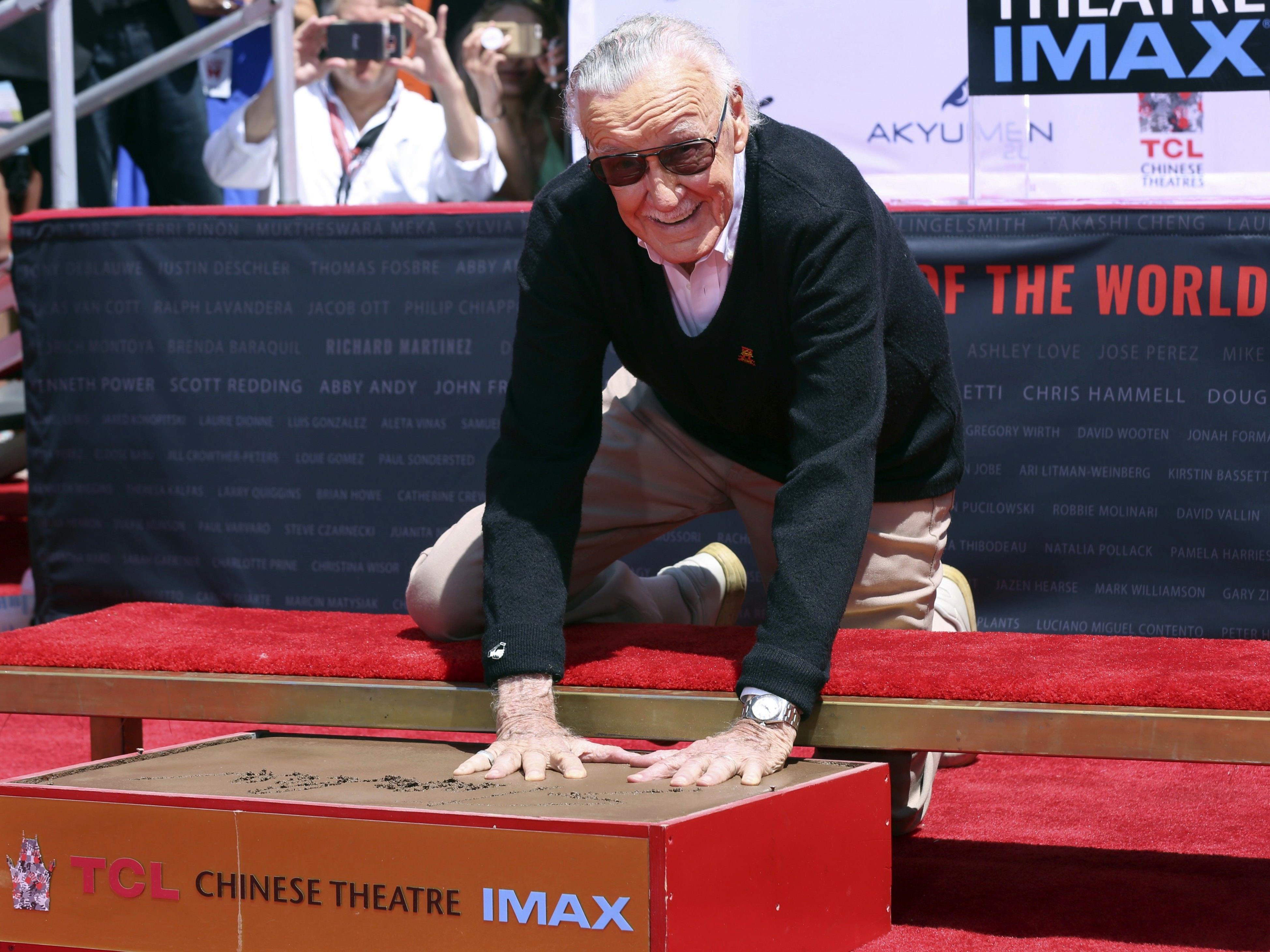 Stan Lee wurde am Hollywood Boulevard in Zement verewigt.