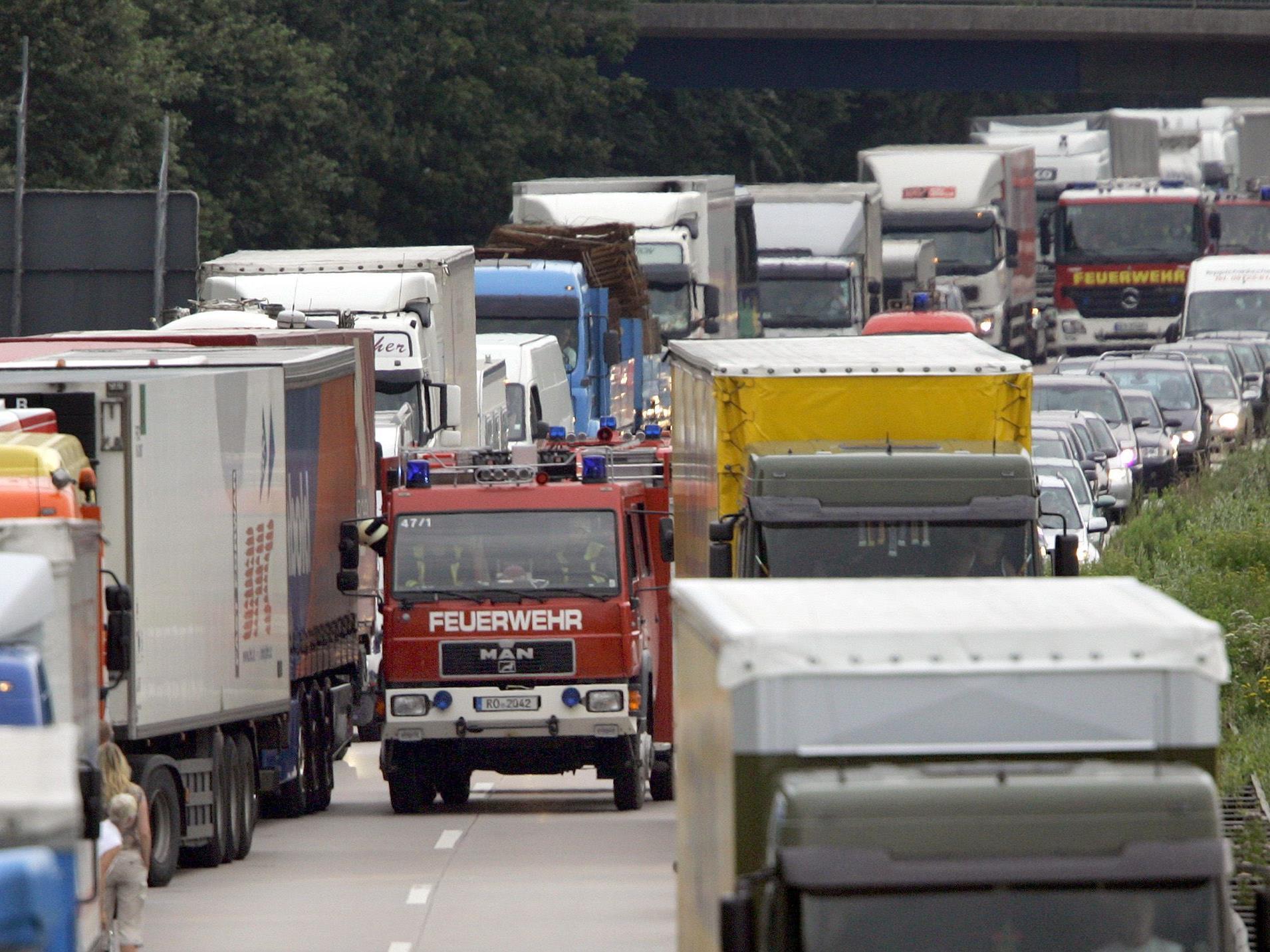 Ein LKW-Unfall sorgt für Rückstaus im Süden Wiens
