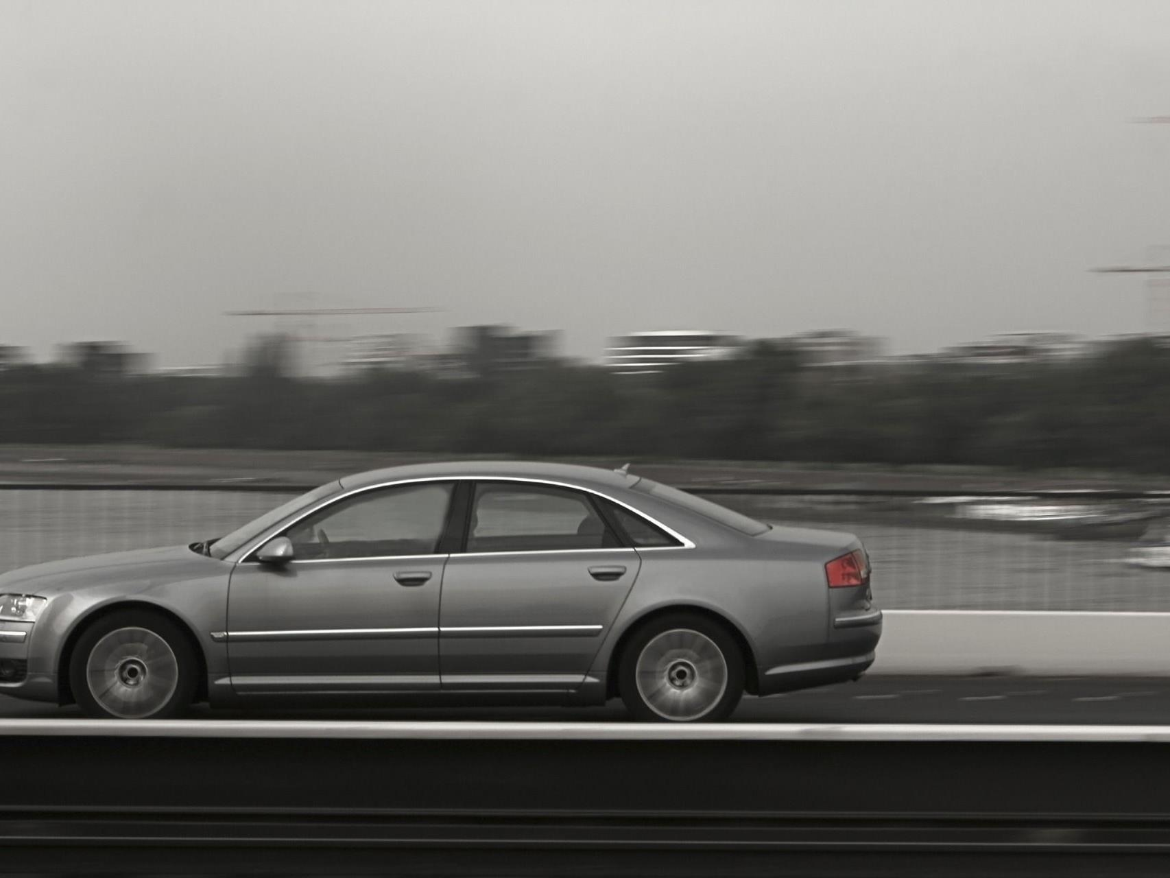 Der kleine Bub fuhr mit dem Audi seines Vaters durch Wien