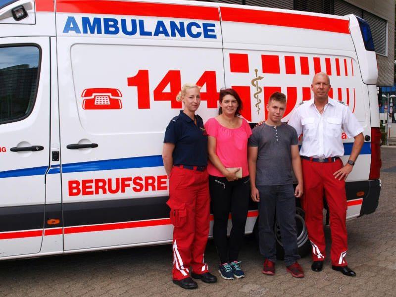 Sanitäterin Bibiane B., Mutter Karin K., Marvin K und Leitender Disponent Patrick G.