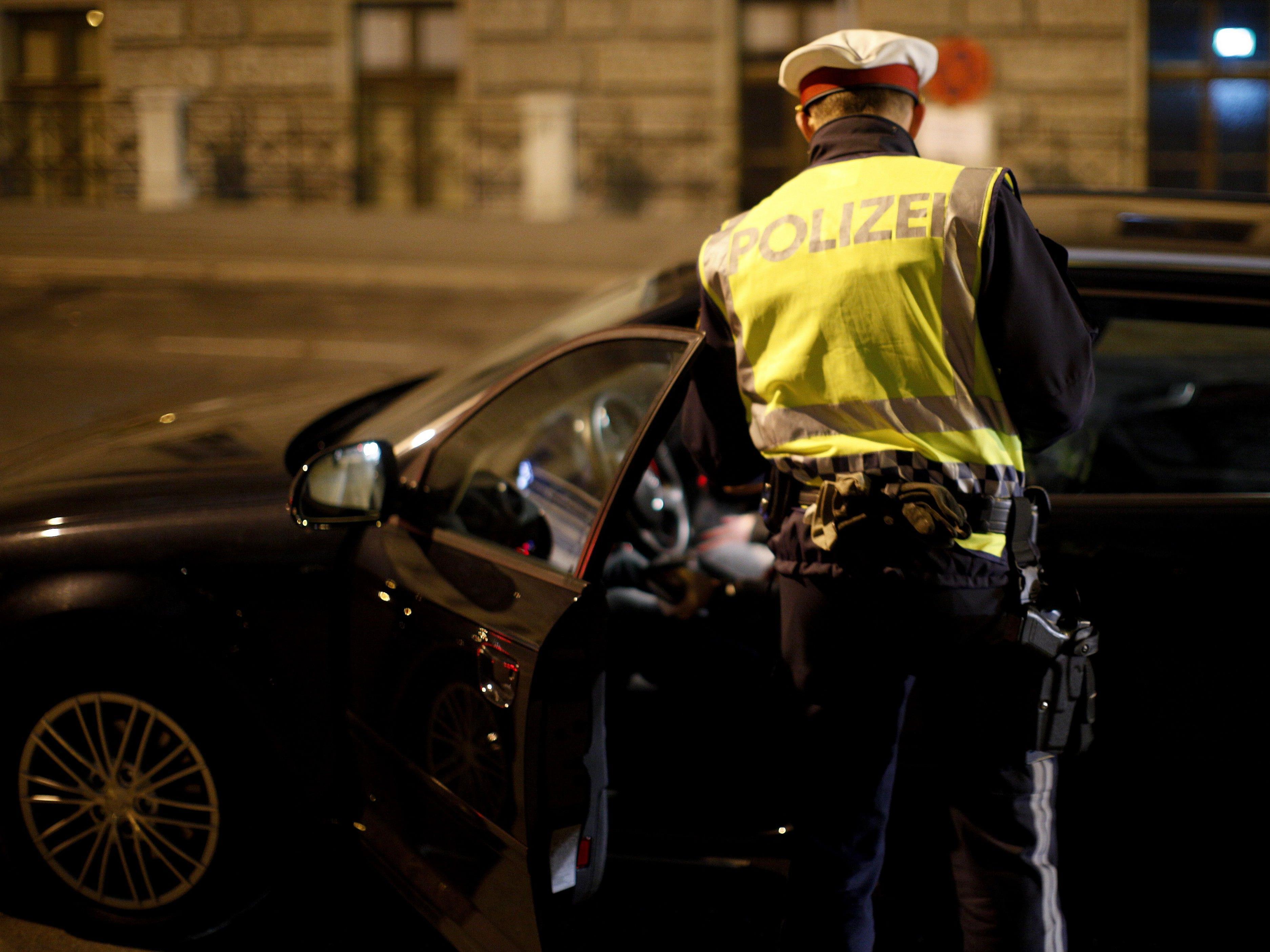 Der 29-Jährige wurde am Wiener Heldenplatz aufgehalten und kontrolliert.
