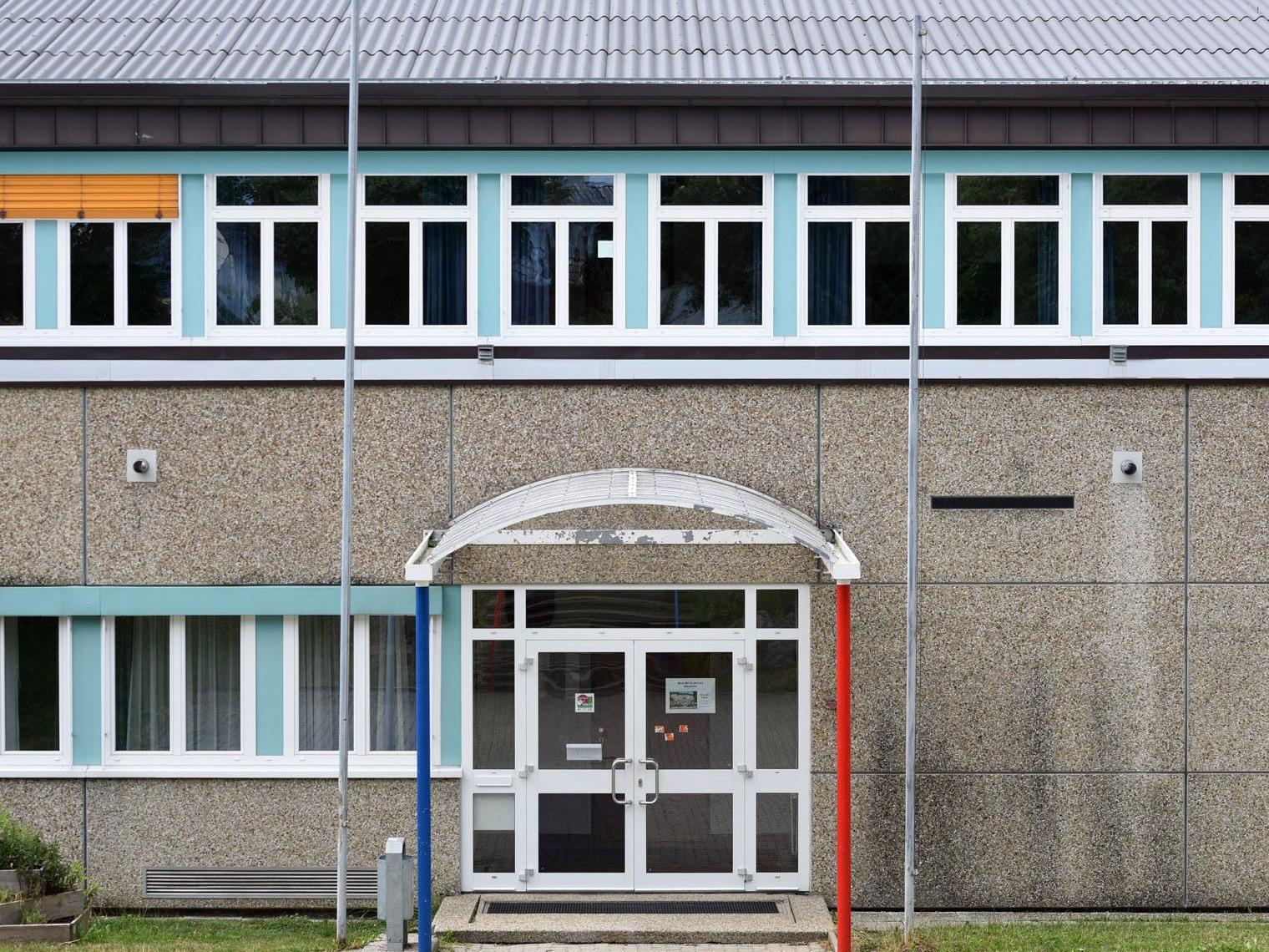 Ein 15-Jähriger soll einen Amoklauf an einer oberösterreichischen Schule (Bild) geplant haben.