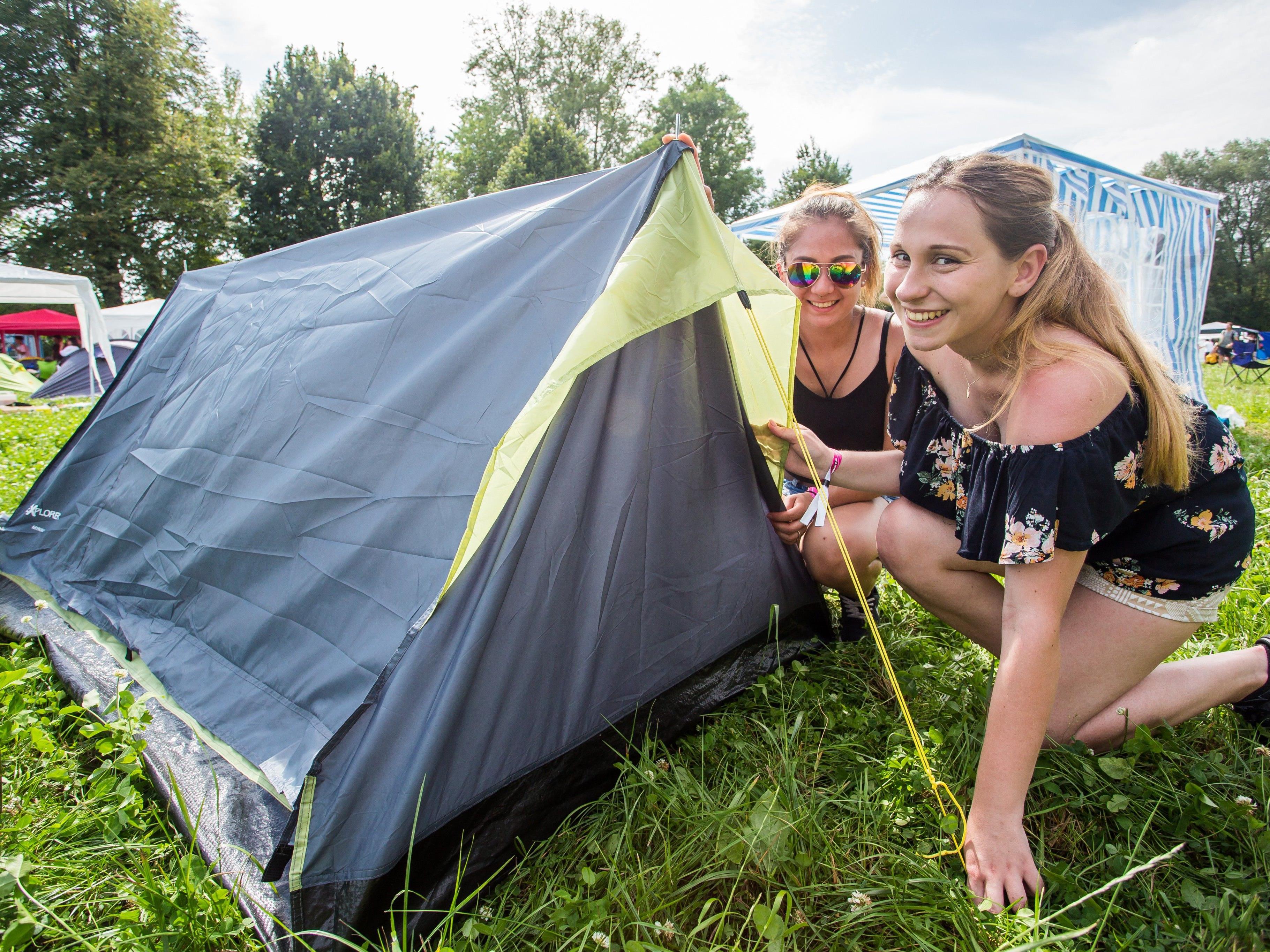 Am Donnerstag wurden die Zelte aufgebaut