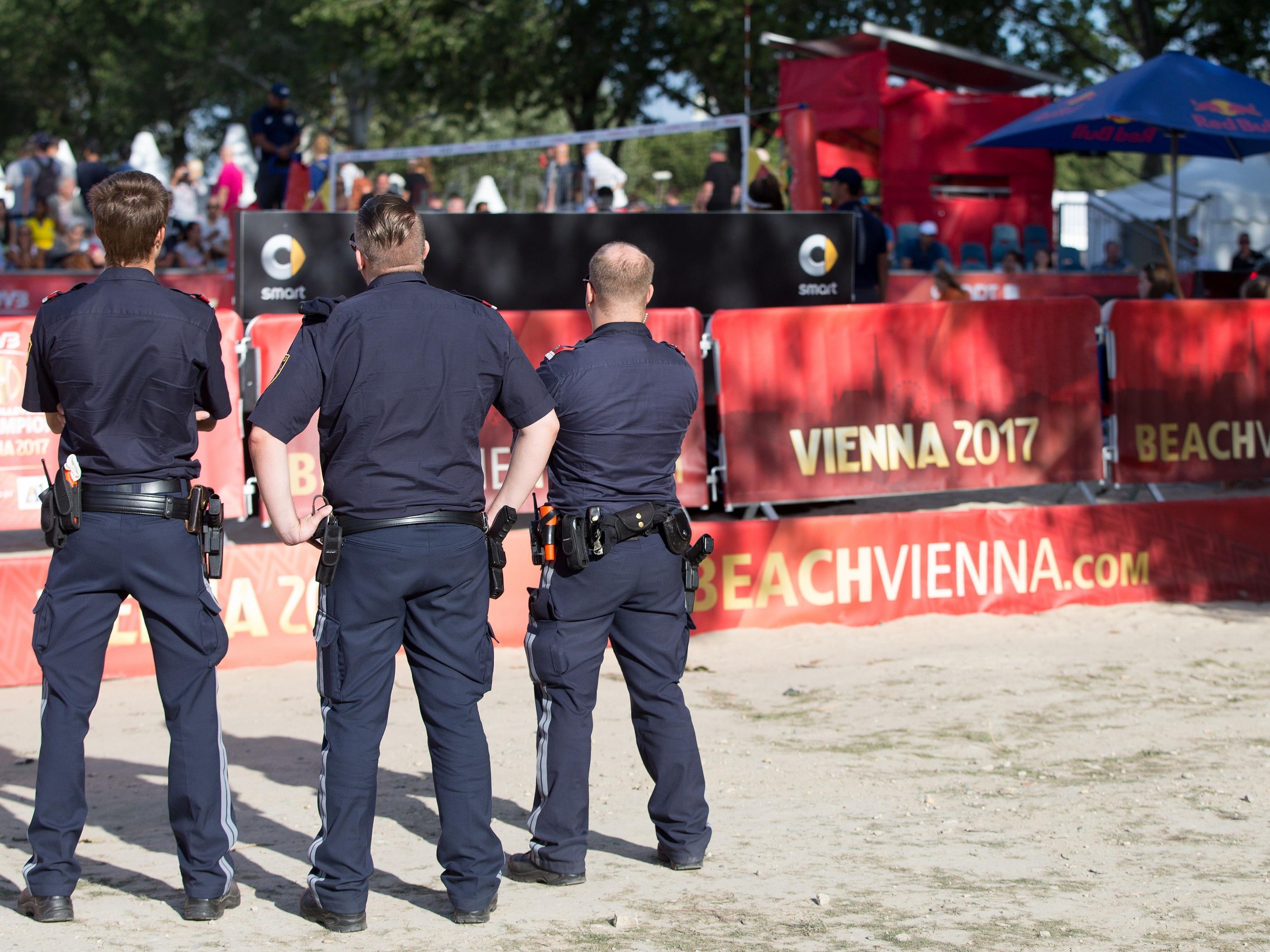 Polizisten wurden bei der der Beach-Volleyball-WM auf der Donauinsel attackiert