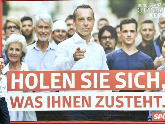 Kanzler Kern im Rahmen der Präsentation von den neuen Wahlplakaten.