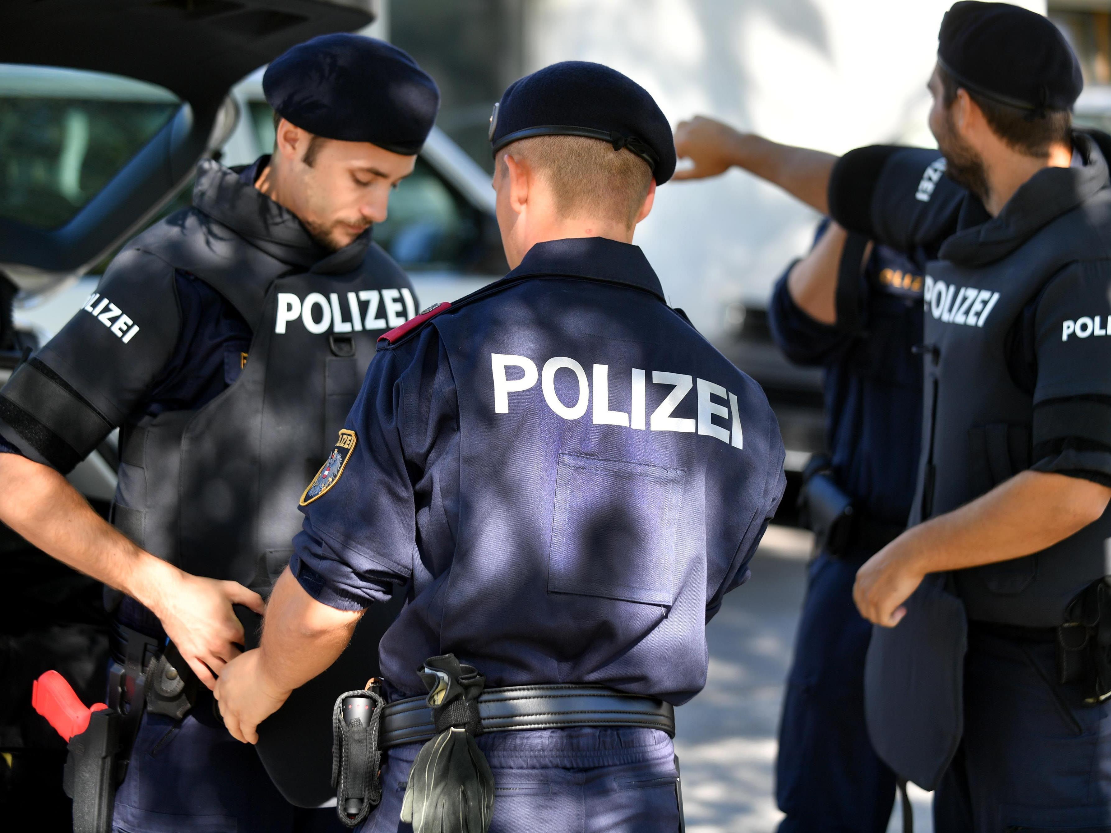 Der aggressive 27-Jährige wurde von der Polizei festgenommen.