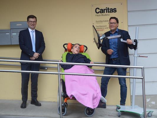 Andreas Huber, Sabrina Rünzler und Stefan Fischnaller freuen sich über das Augensteuerungs-Kommunikationssystem.
