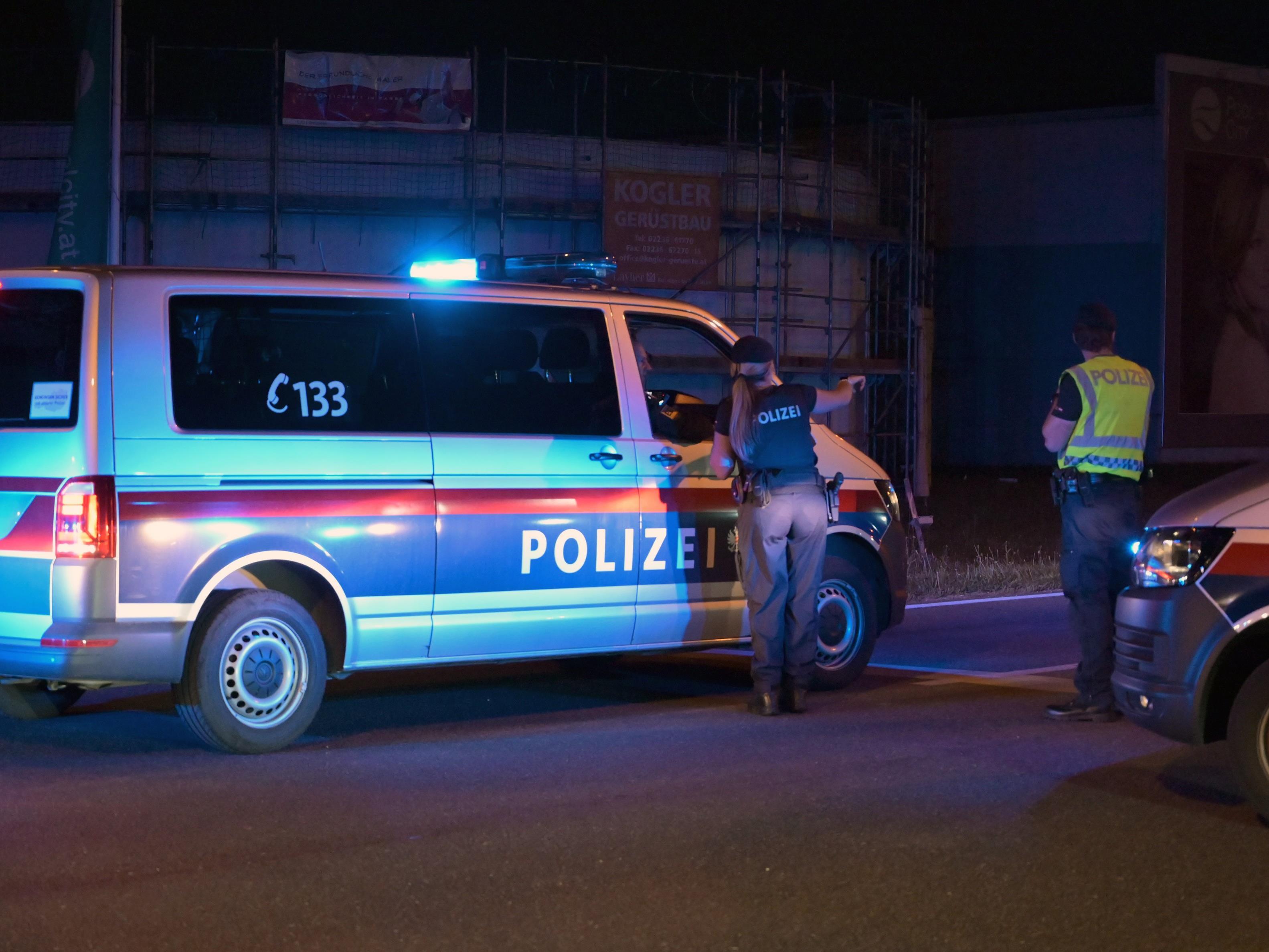 Der Anwalt beharrt, dass Ahmed A. lediglich auf Reifen von Fluchtfahrzeug schießen wollte.