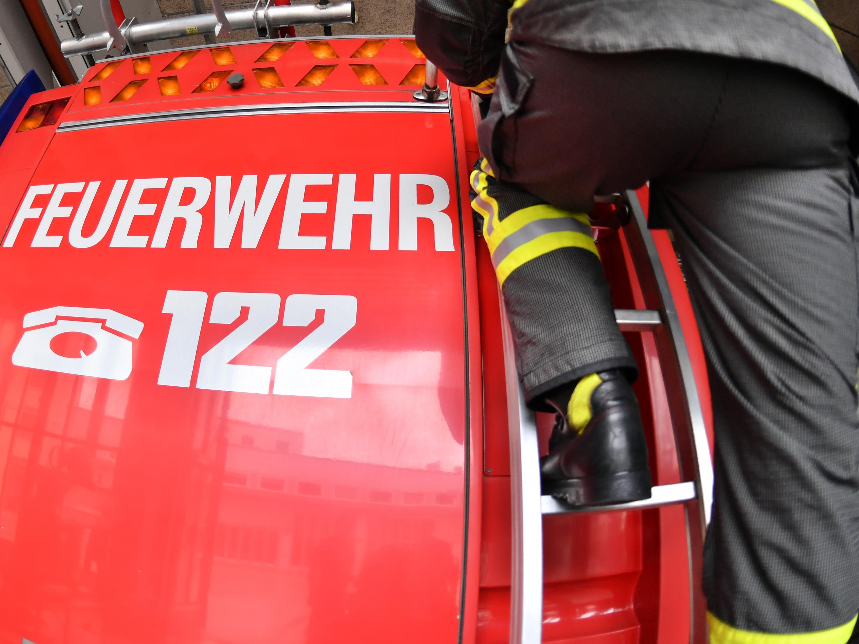 Rund 60 Feuerwehrmitglieder waren im Einsatz.
