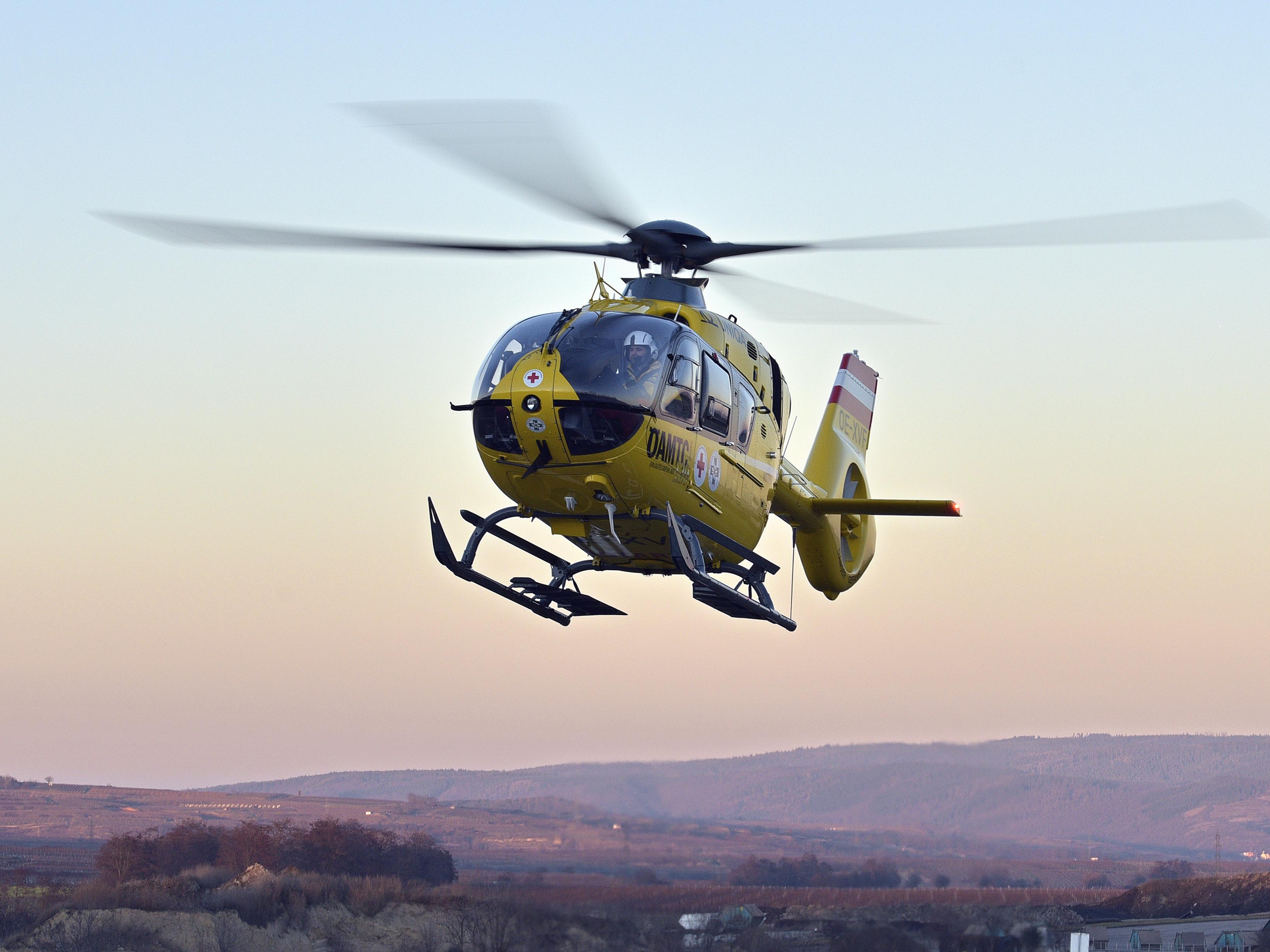 Der 30-jährige Wiener wurde ins Krankenhaus geflogen.