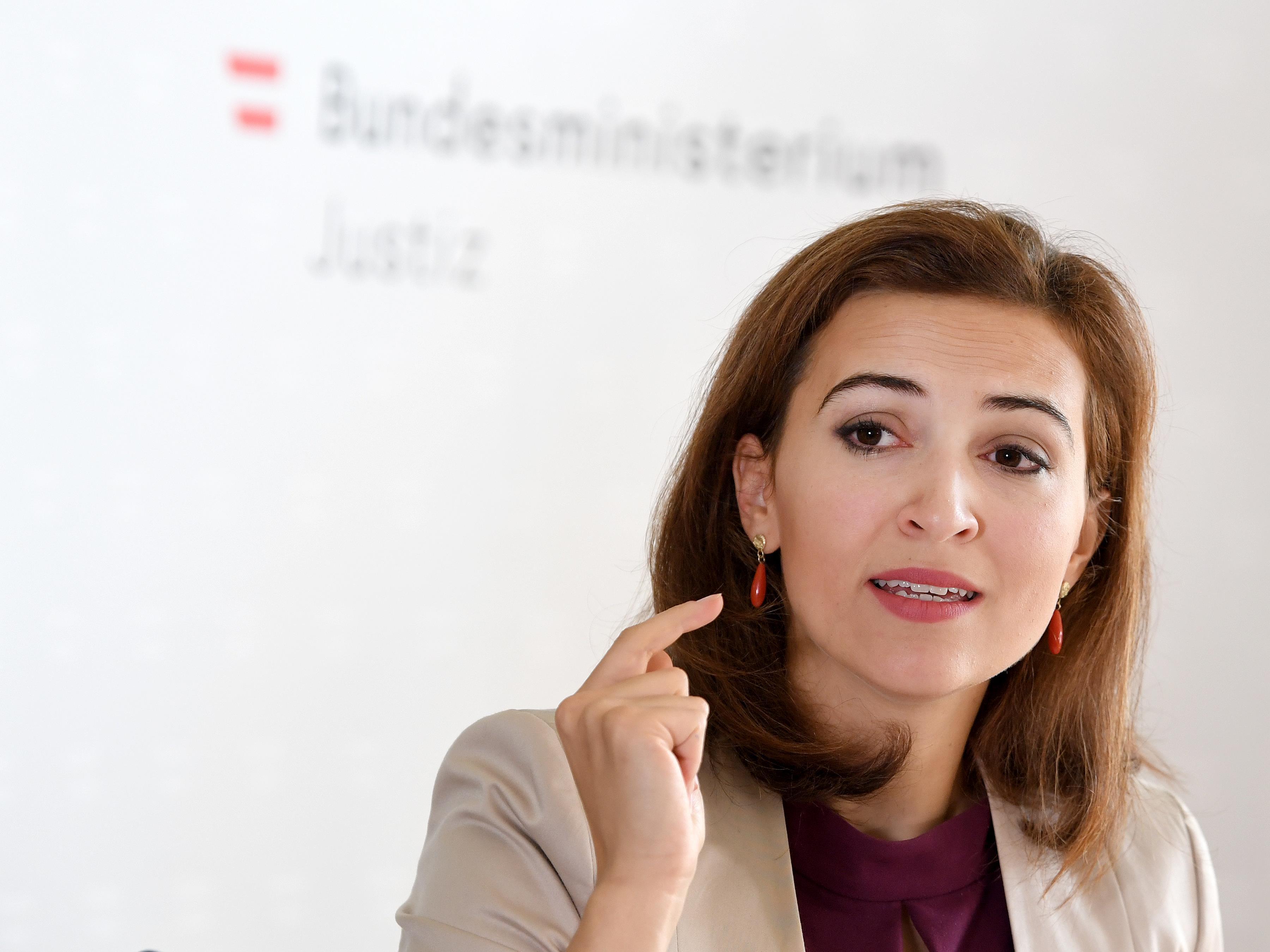 Gegen Justizministerin Zadic wurden unmissverständliche Todesdrohungen ausgesprochen.