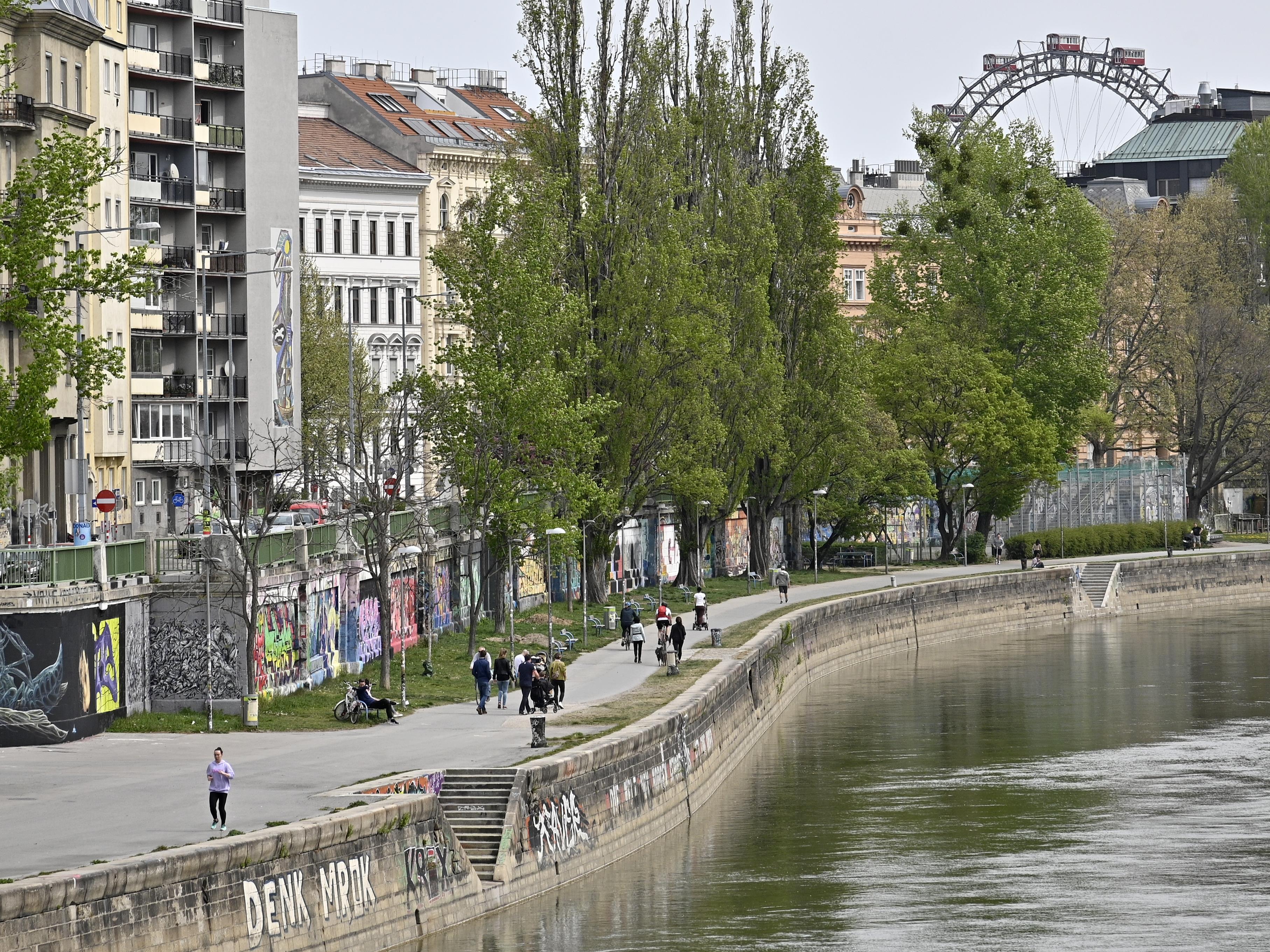 Der 31-Jährige fischte eine Granate aus dem Wiener Donaukanal.
