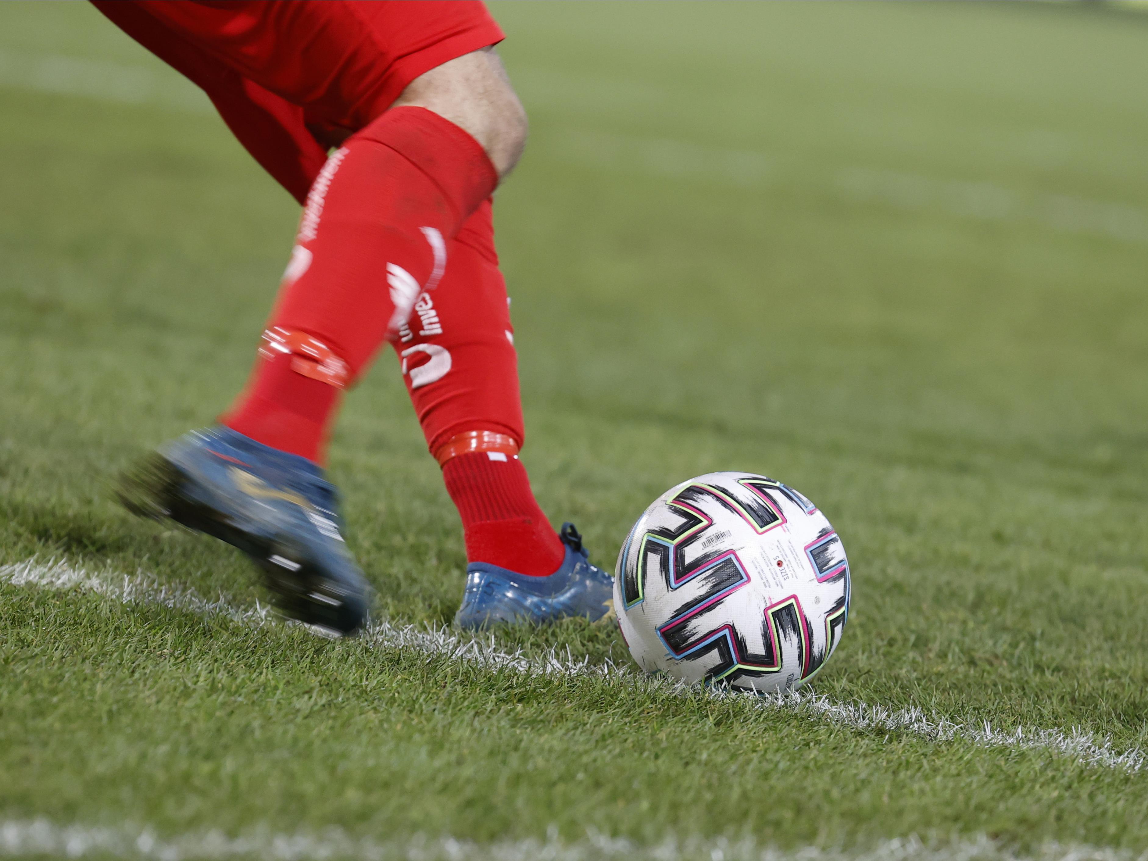 Die Fußball-Bundesliga Spieler kehren nach einer kurzen Pause wieder ins Training zurück.