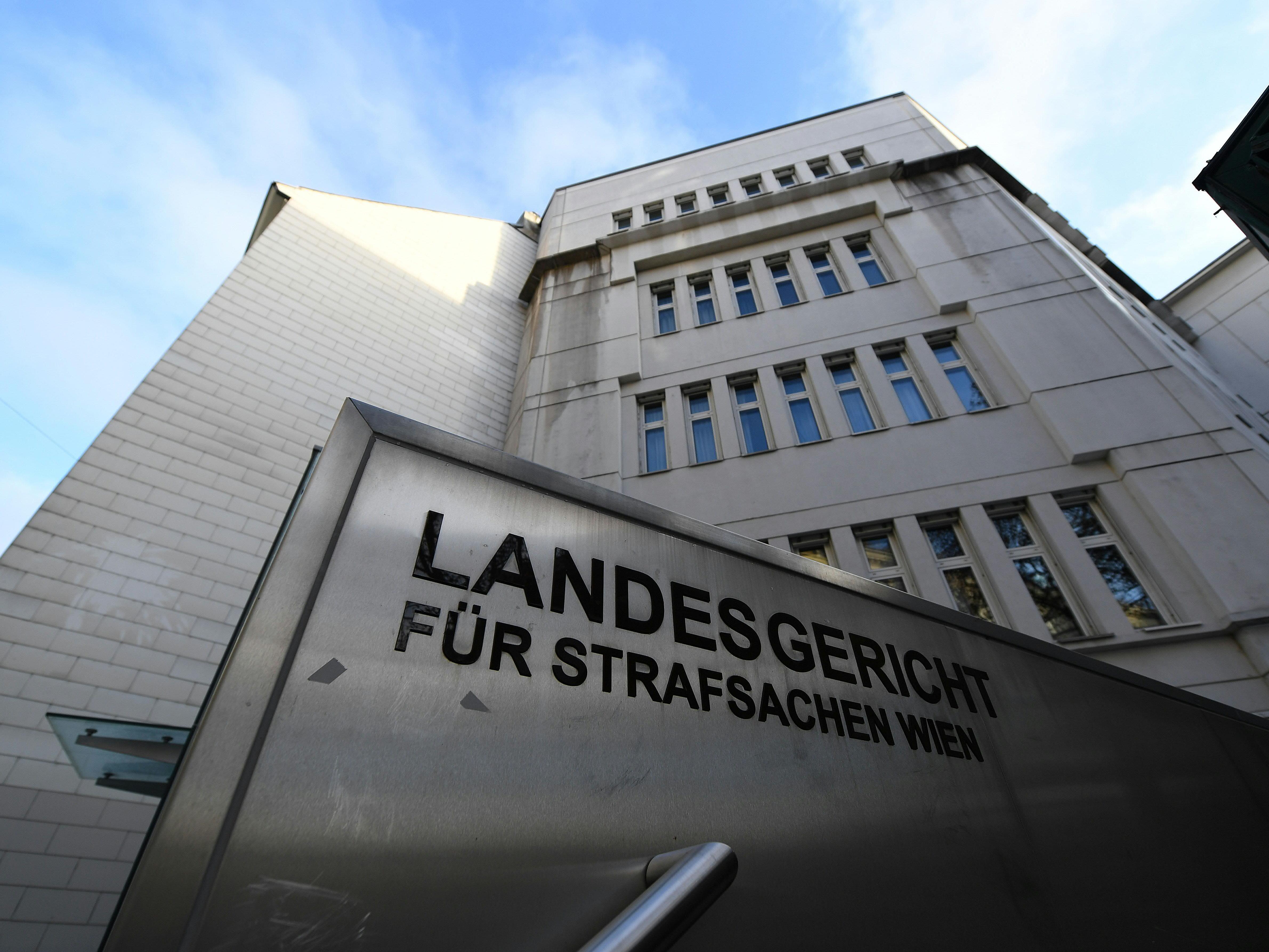 Drei Angeklagte mussten sich am Wiener Landesgericht verteidigen.
